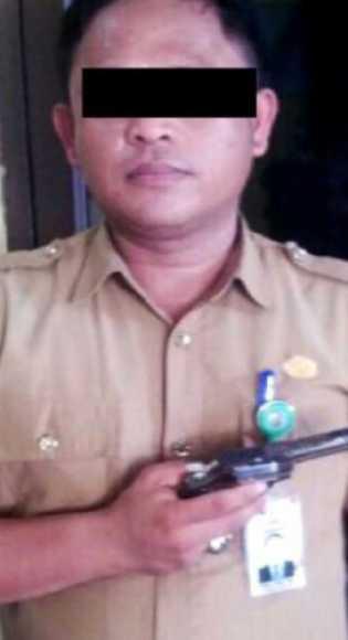 Amcam Pemotor Pakai Pistol Bohongan, Oknum PNS di Kampa Diamankan