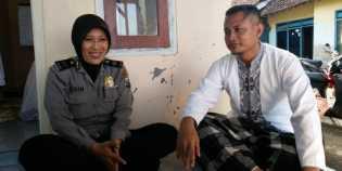 Suami Istri Polisi Batalkan Umrah lalu Dirikan Mushala dan Mengajar