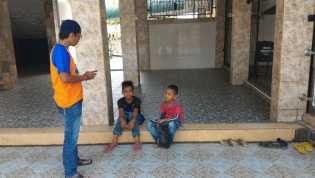 KOMPAK Berikan Sosialisasi Bahaya Ngelem Kepada Anak Jalanan dan Tukang Semir