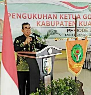 Bupati Lantik Hj Yuni Warti Halim Jadi Ketua GOW Kuansing