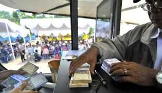 Tukar Uang Jelang Lebaran, MUI : Itu Riba
