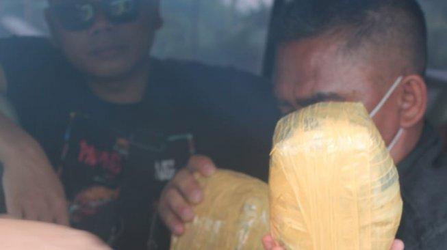 Manfaatkan Karhutla Riau, Jaringan Narkoba Internasional Selundupkan Sabu