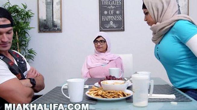 Diancam ISIS, Mia Khalifa Pensiun dari Film Panas