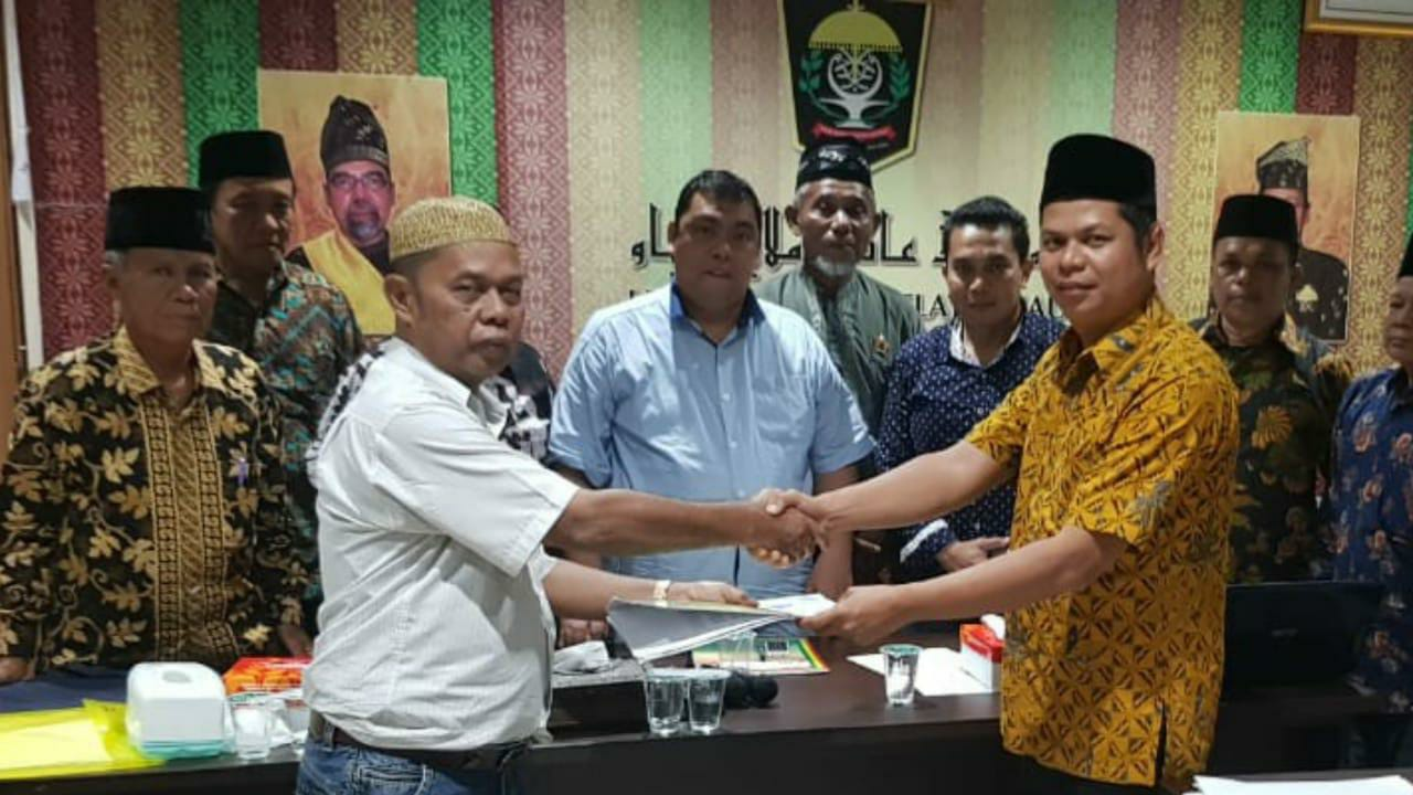 Pebri Mahmud Diamanahkan Sebagai Ketua Umum Majelis Kerapatan Adat LAMR Kuantan Singingi Masa Bakti 2019-2024