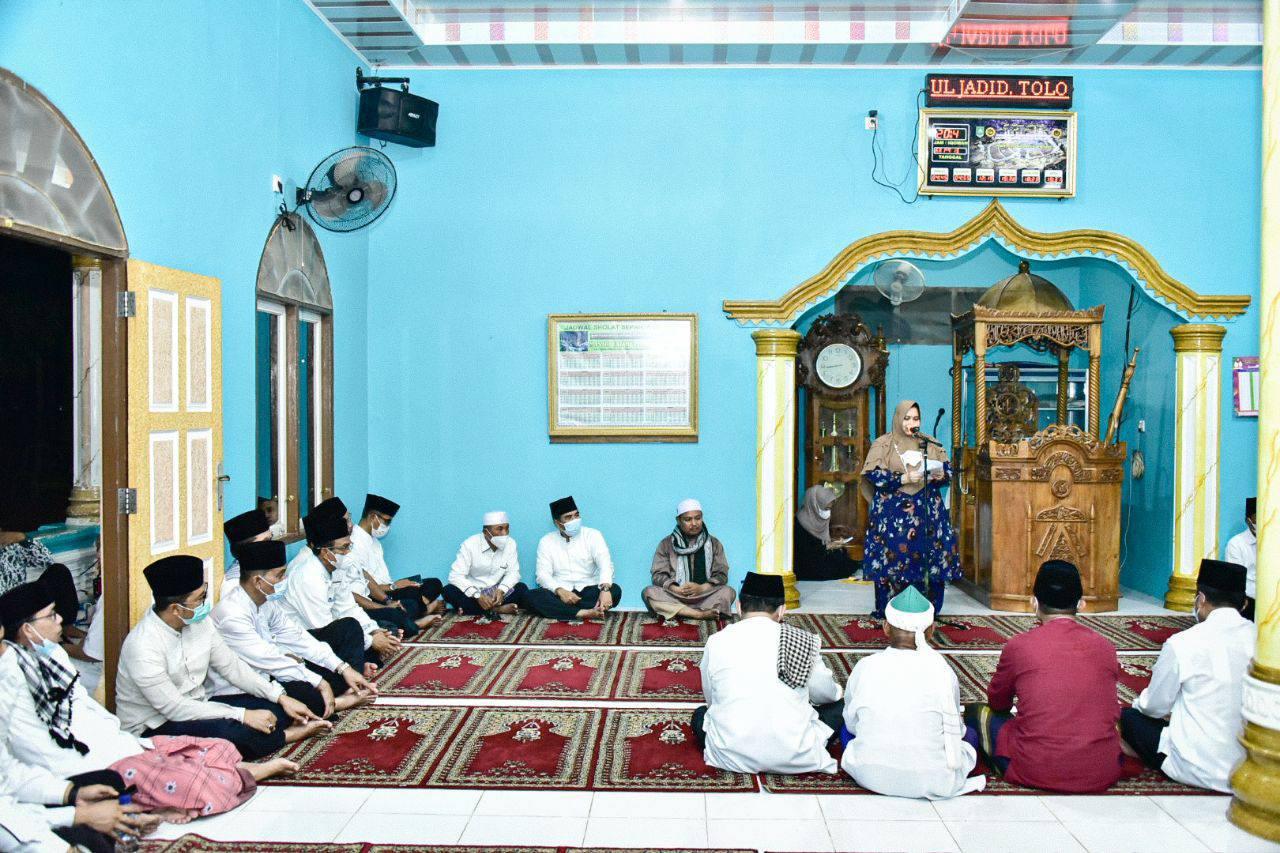Safari Ramadhan Perdana, Bupati Bengkalis Serahkan Sejumlah Bantuan