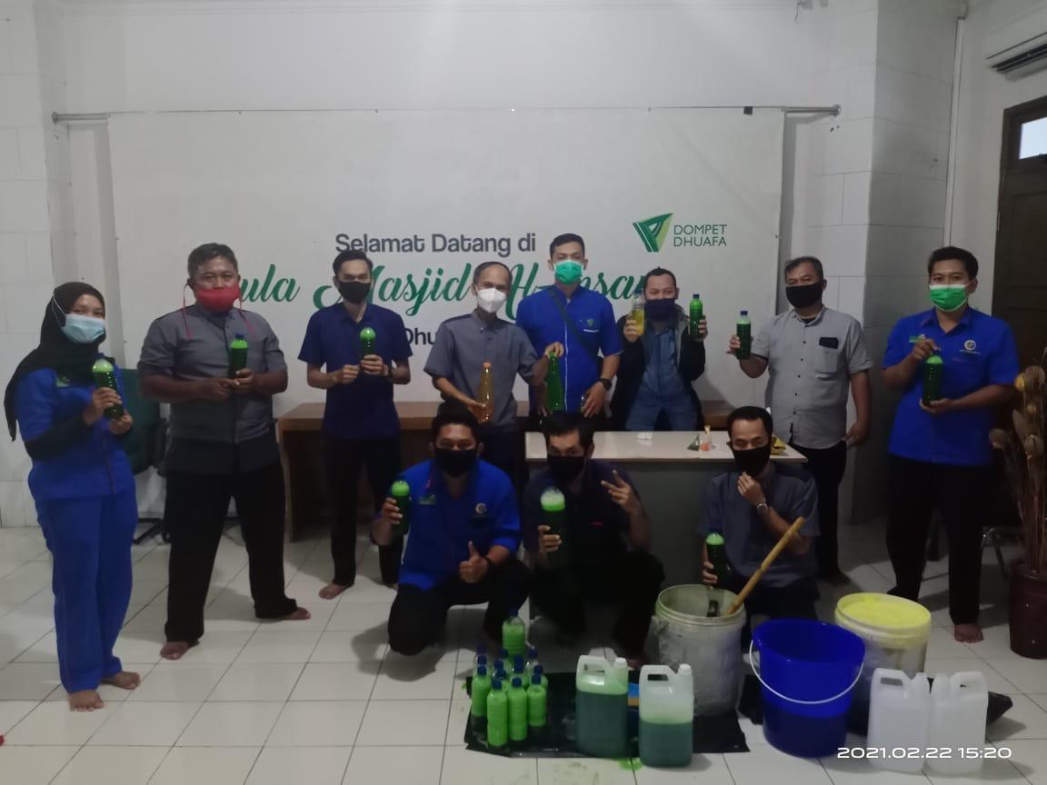 Bank Sampah SPIRIT Selenggarakan Pelatihan Pembuatan Sabun Cuci Piring dan Sampo Kendaraan