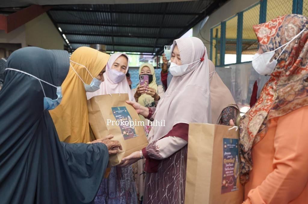 PC Muslimat NU Inhil Gelar Bukber Bersama Para Lansia