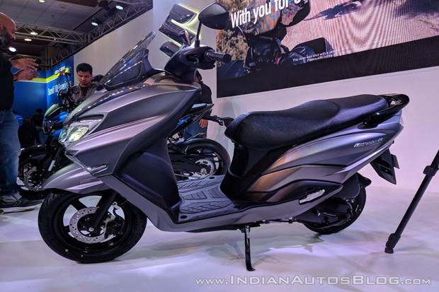 Suzuki Perkenalkan Penantang Yamaha Lexi