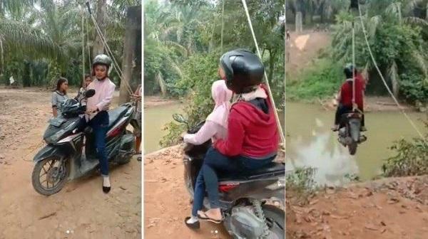 Dua Wanita Menyeberang Sungai yang Viral ini Ternyata Terjadi di Riau