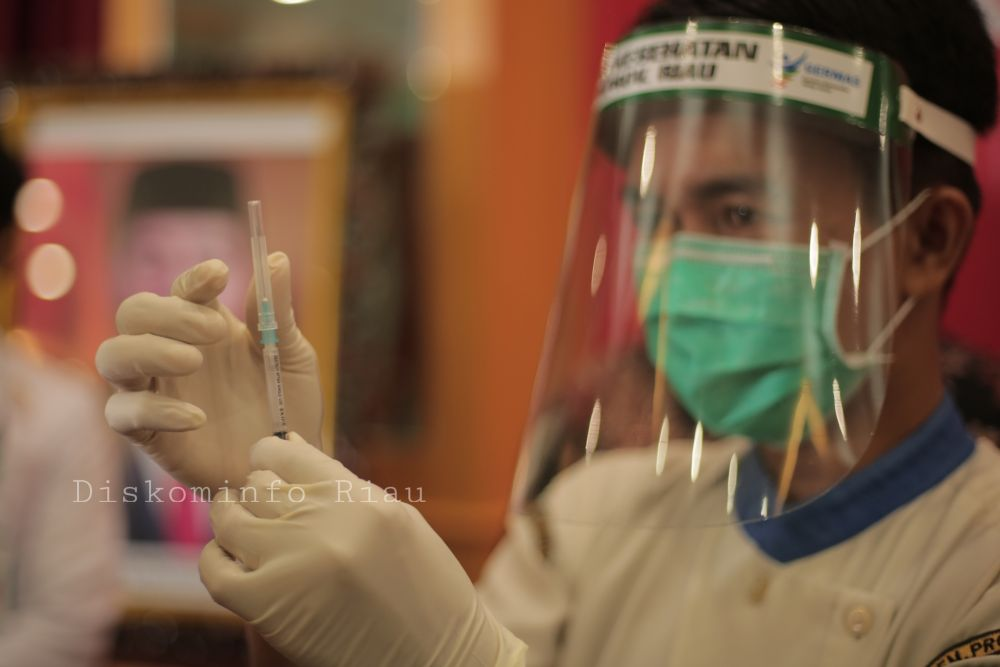 2.474 Nakes dan Tokoh Masyarakat Telah Melakukan Vaksinasi Corona