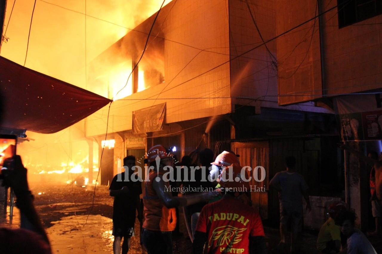 BREAKING NEWS: Pasar Terapung, Tembilahan Terbakar