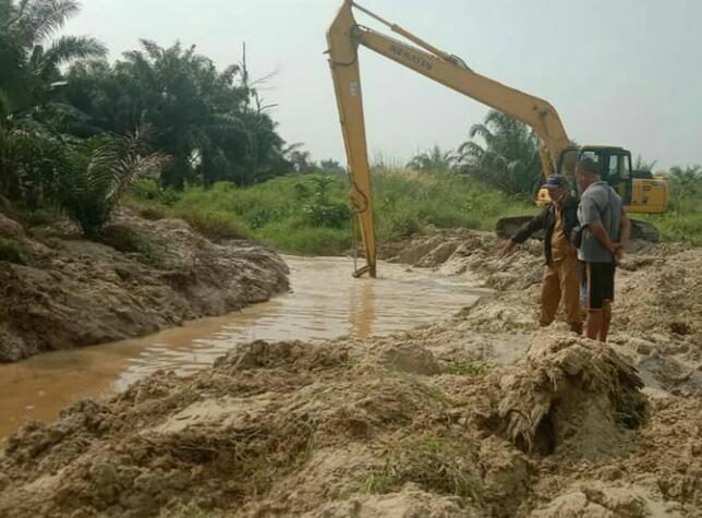 Dinas PUPR Pekanbaru Normalisasi Sungai Sibam