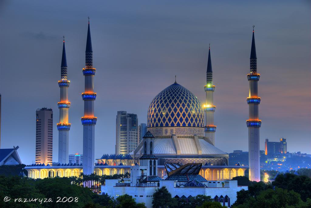 Adab-adab masuk masjid