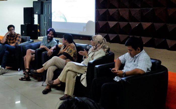 Diskusi Foto Memotret Seputar Konflik Lahan di Pekanbaru