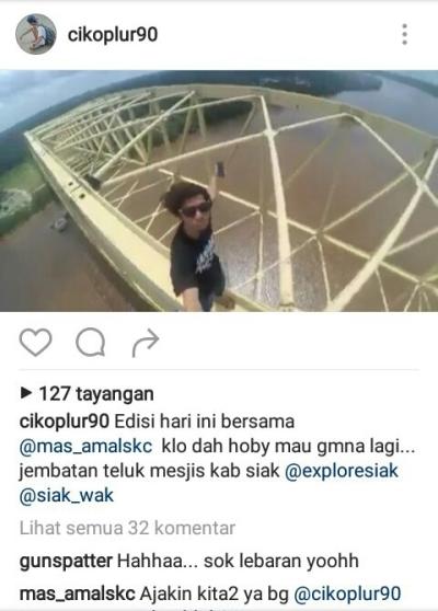 SIAK HEBOH! Pemuda Ini Selfie di Puncak Jembatan Teluk Mesjid