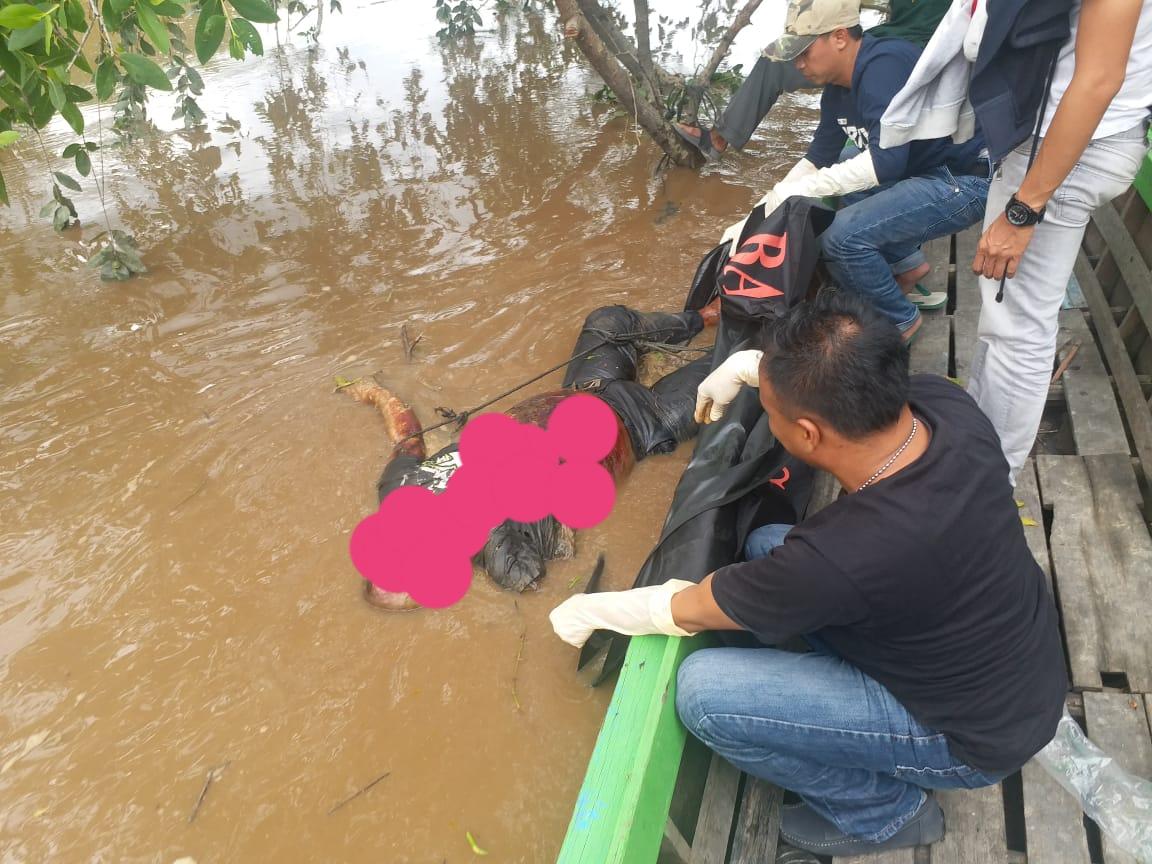 Amri Ditemukan Tewas Mengapung di Sungai Batang Tuaka