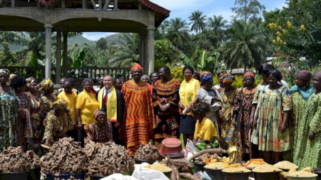 Miliki Istana Sangat Sederhana, Raja dari Afrika Ini Punya 100 Istri dan 500 Anak