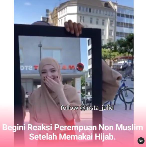 Wanita Non Muslim Dipakaikan Hijab, Wajah Berubah Drastis