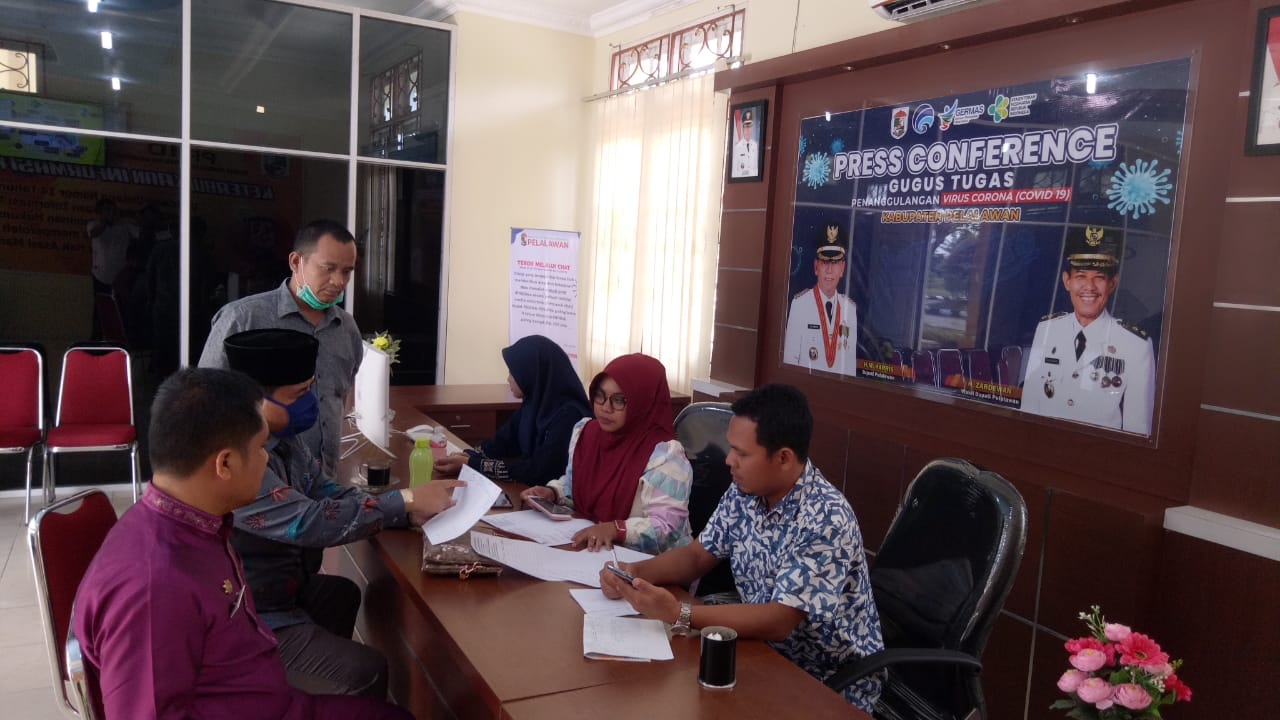 Media Center Gugus Tugas Percepatan Penanganan Covid - 19 Kabupaten Pelalawan Buka Layanan 1 x 24 Jam