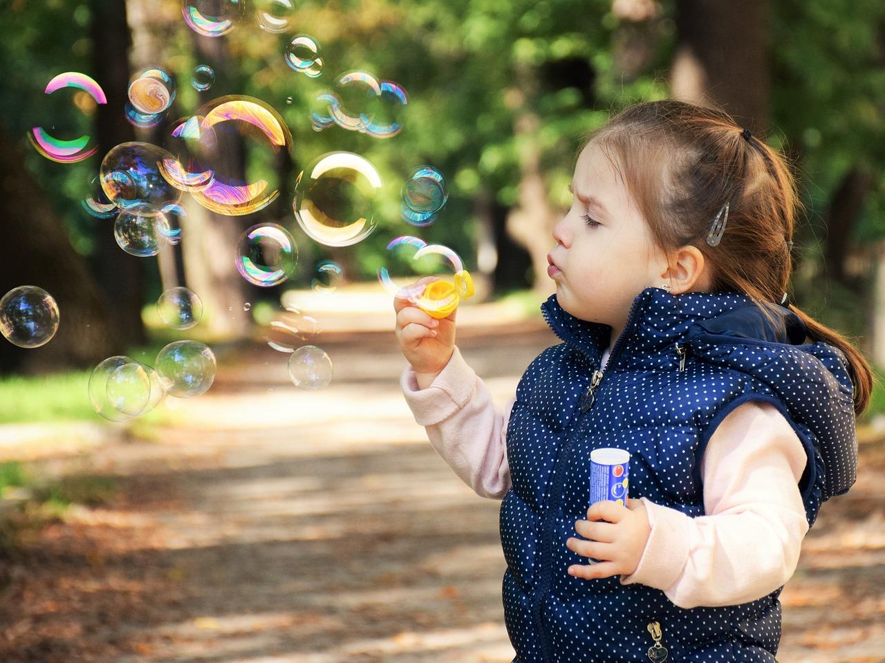 7 Cara Menjaga Mood Anak Saat Liburan