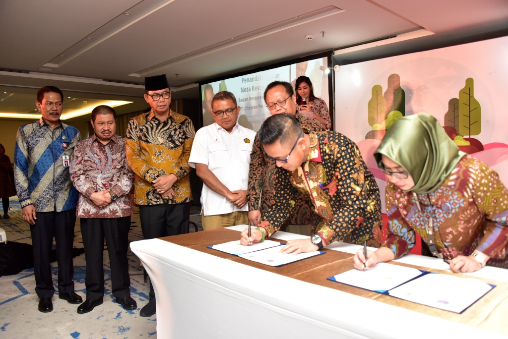 Penanda-tanganan Nota Kesepahaman BRG dan PT Cevron Pacific Indonesia