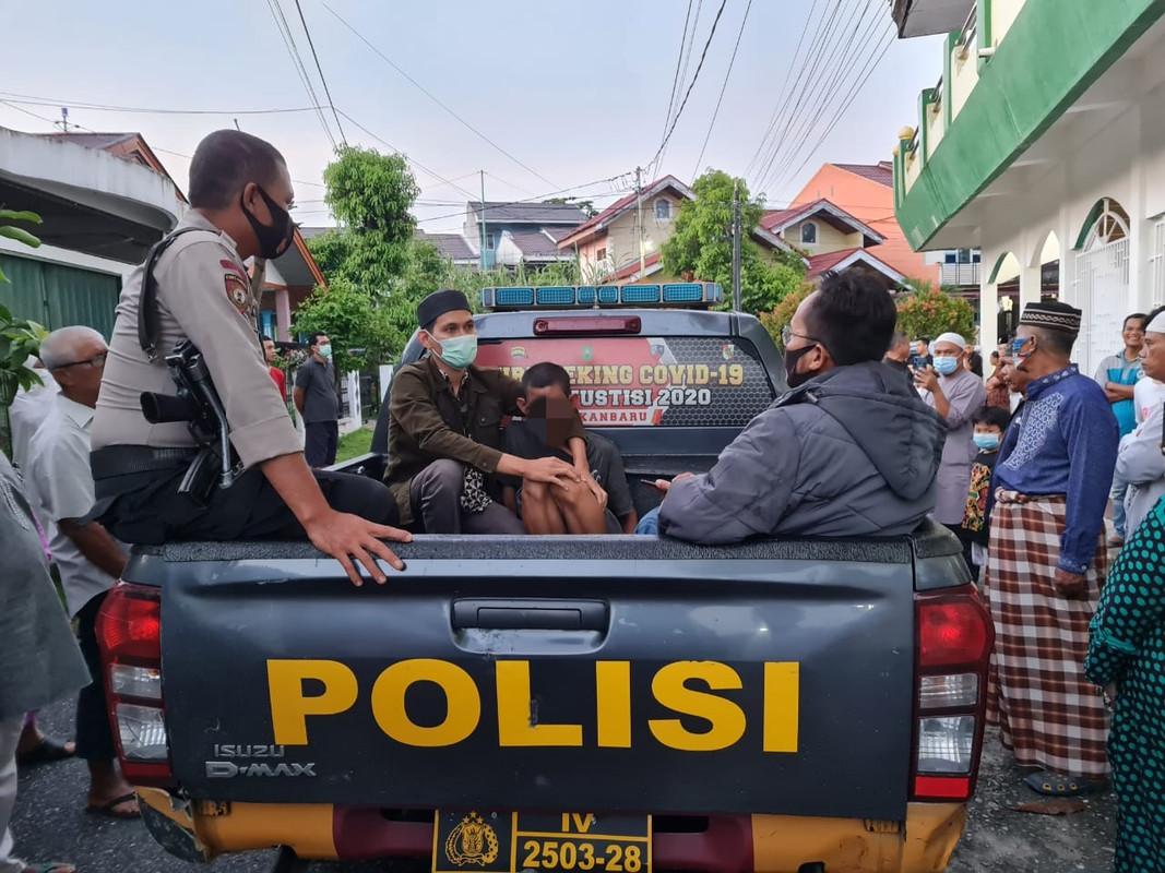 Ini Alasan Pelaku Pukul Imam Masjid Baitul Ar'sy di Pekanbaru