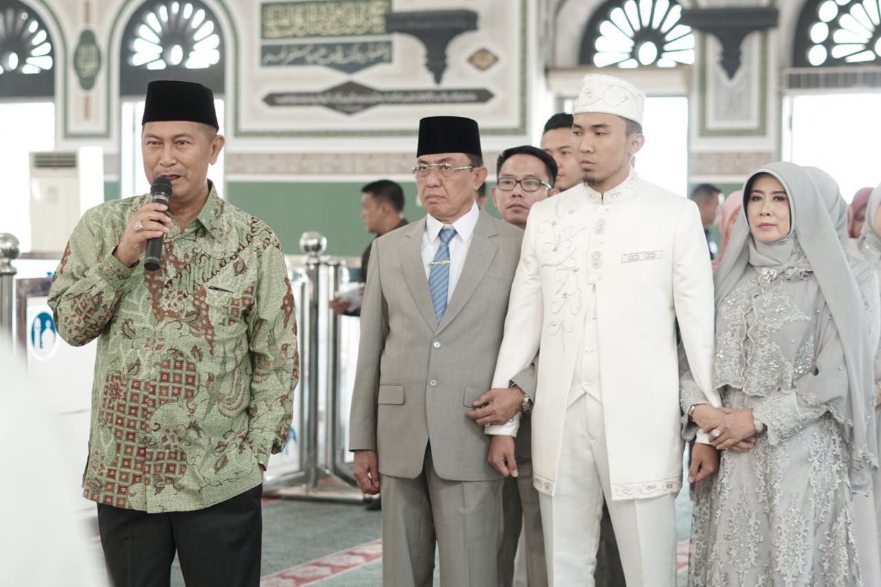 Wabup Inhil Hadiri Pesta Pernikahan Putra Bungsu Bupati, HM Wardan