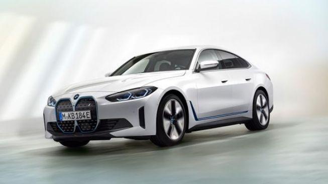 BMW i4 dan iX Diboyong ke Indonesia Tahun Depan