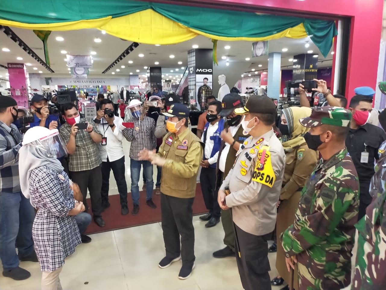 Gubri Tinjau Pos Chek Poin Diperbatasan Riau-Sumut