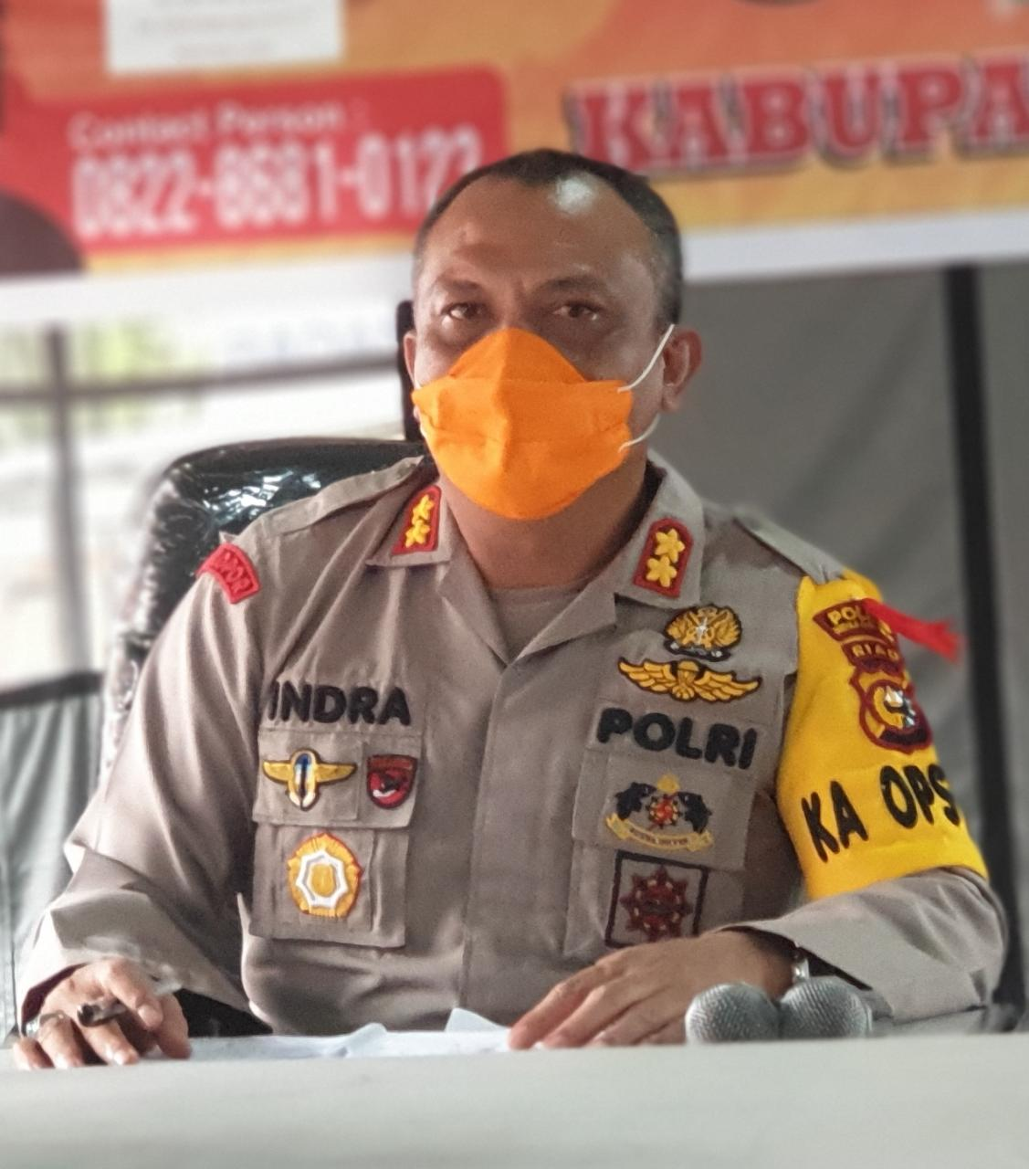 Kapolres Inhil Kawal Penyaluran BST Tahap Pertama Hingga Dini Hari