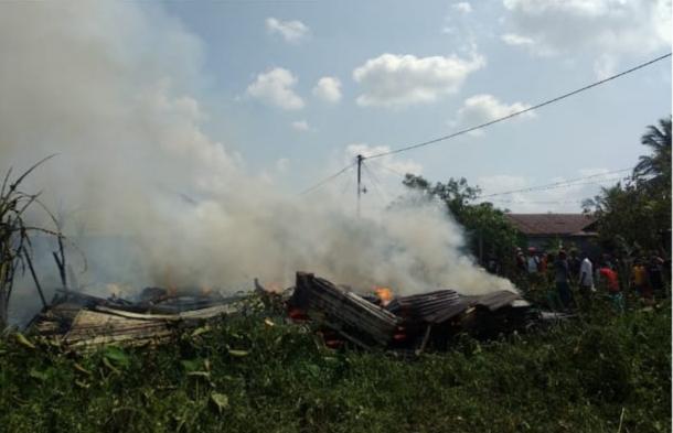 Tujuh Unit Rumah di Tembilahan Hulu Ludes Terbakar