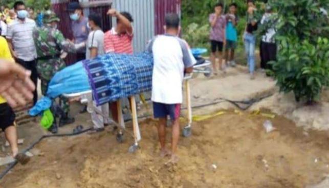 Jasad Pria Dikubur Telanjang di Belakang Rumah Warga