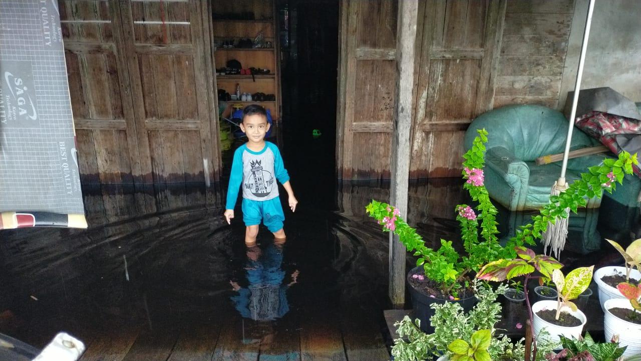 Diguyur Hujan Deras, Puluhan Rumah di Pasar Sialang Panjang Terendam Banjir