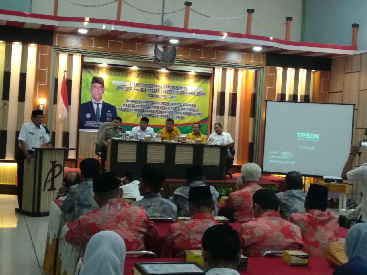 Dikukuhkan, Pj Bupati Imbau Forum Komite SMA, SMK Dan SLB Negeri Koordinasi Dengan Sekolah