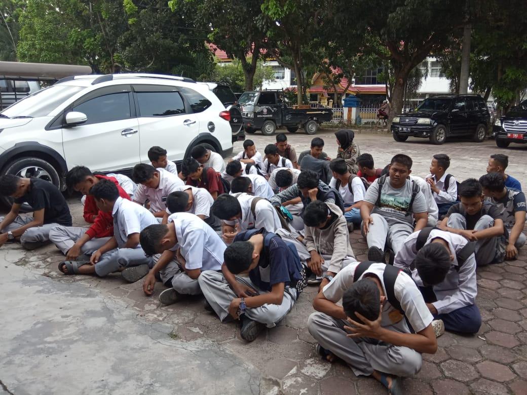Satpol PP Pekanbaru Jaring 33 Pelajar Bolos Sekolah
