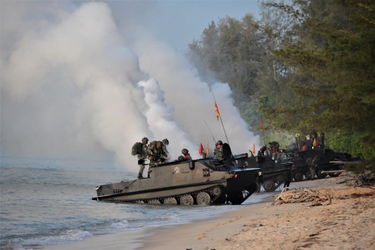 Hebat! Pasrat Korps Marinir Rebut Pantai Todak Dabo Singkep dan Menguasai Titik Objek Vital Daerah Perbatasan