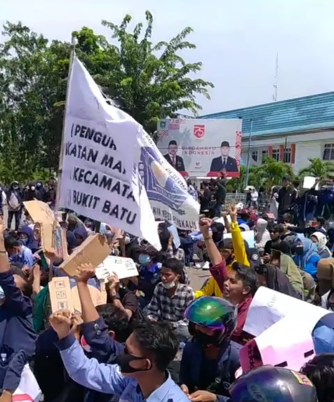 Aliansi Mahasiswa Seruduk DPRD Bengkalis, Tolak UU Omnibus Law