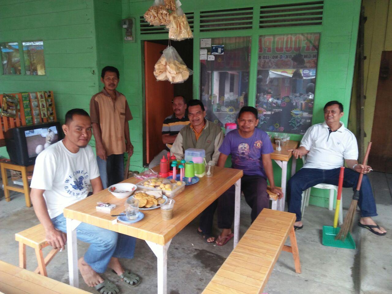 Penggalakan Program Jumat Bersih, Puluhan Warga Malagas Turun Gotong Royong