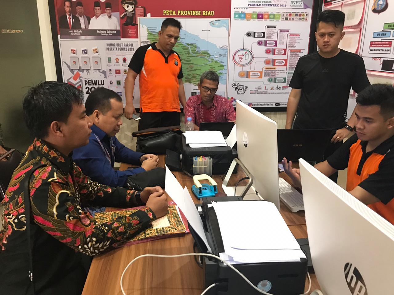 Bupati Meranti Laporkan Akun Facebook Yanti Susi ke Polda Riau