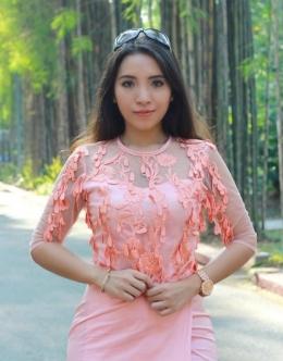 Sering Unggah Foto Seksi, Izin Praktik Dokter Cantik Ini Dicabut