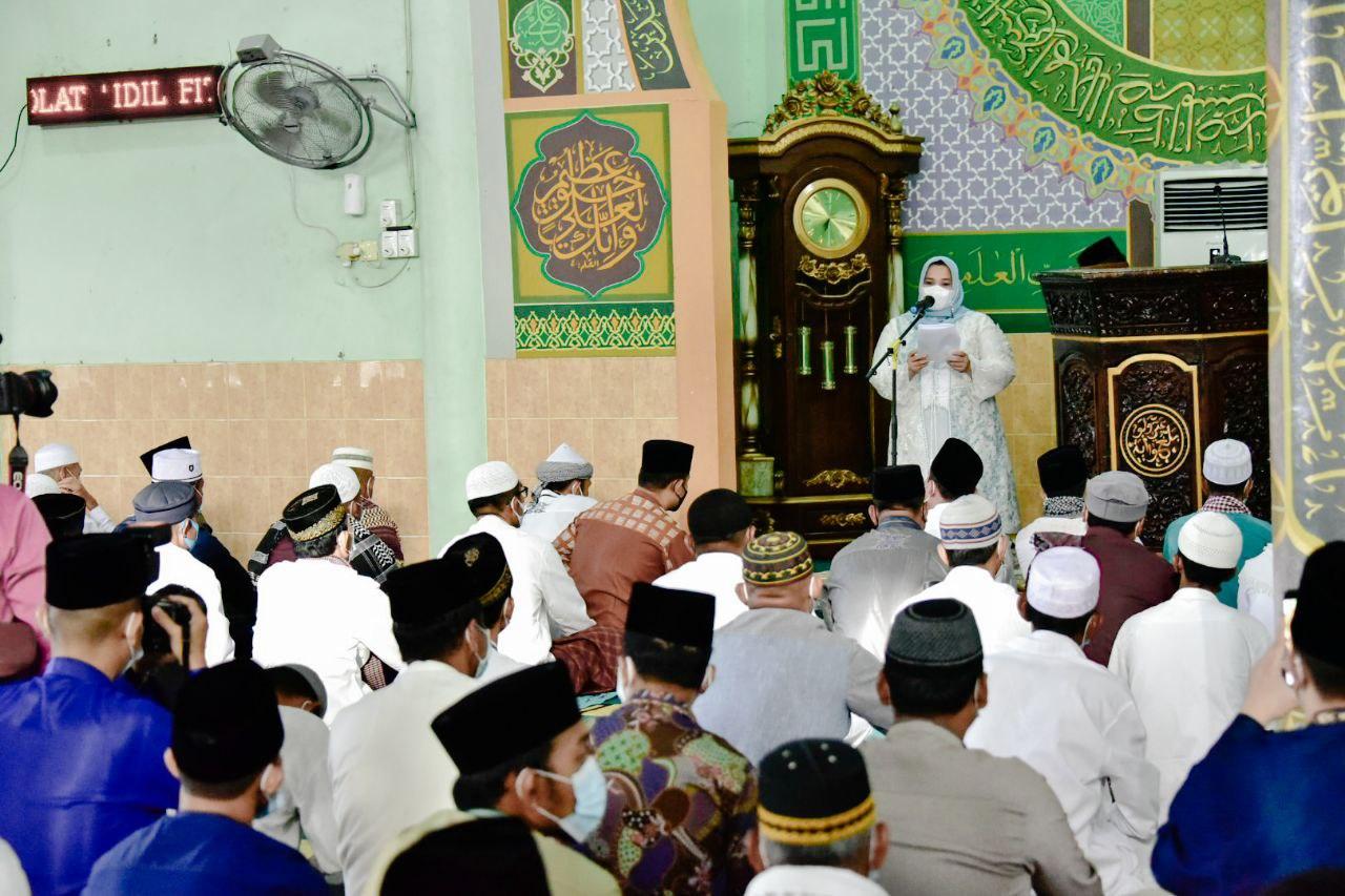 Bupati Bengkalis Shalat Ied Di Masjid Taqwa Kecamatan Pinggir