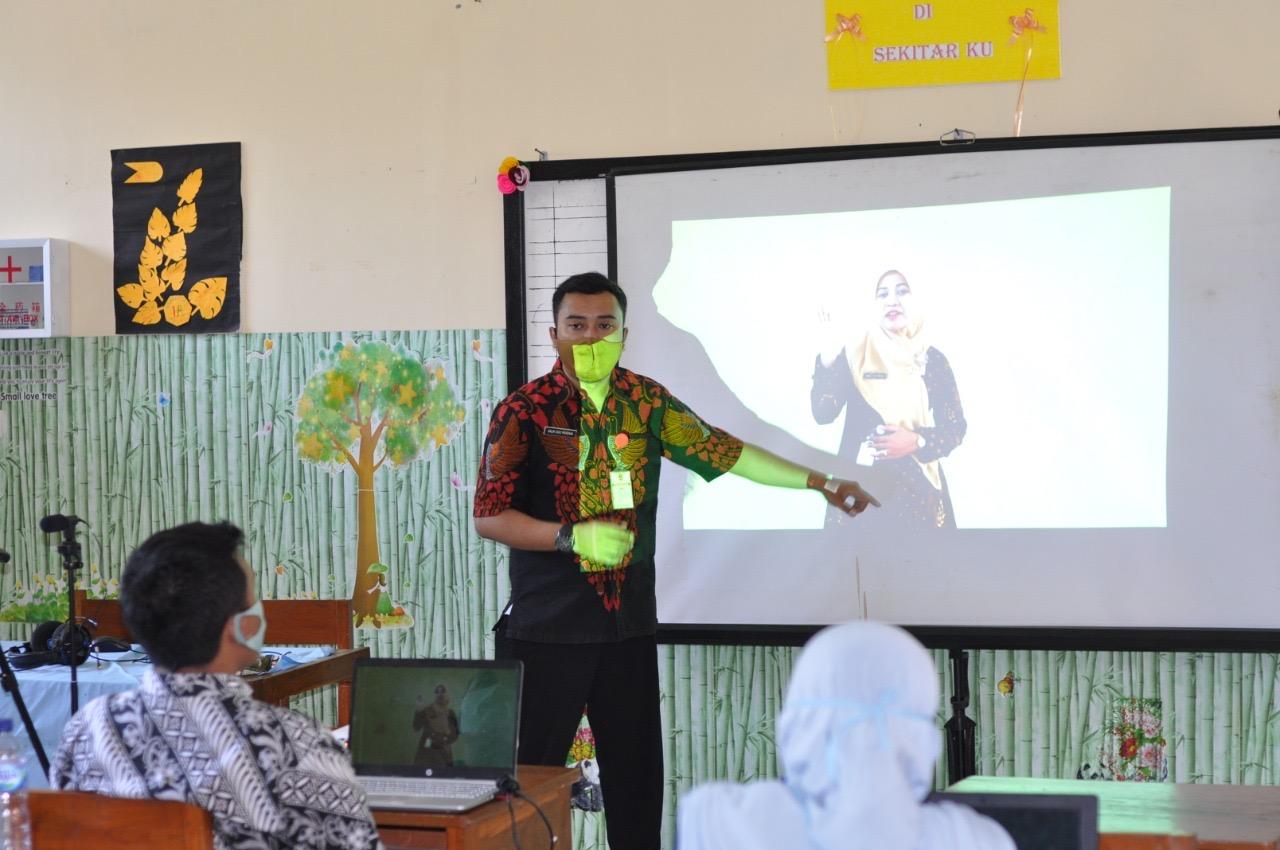 Galih Suci Pratama, Rangkul Guru Majukan Kualitas Pendidika