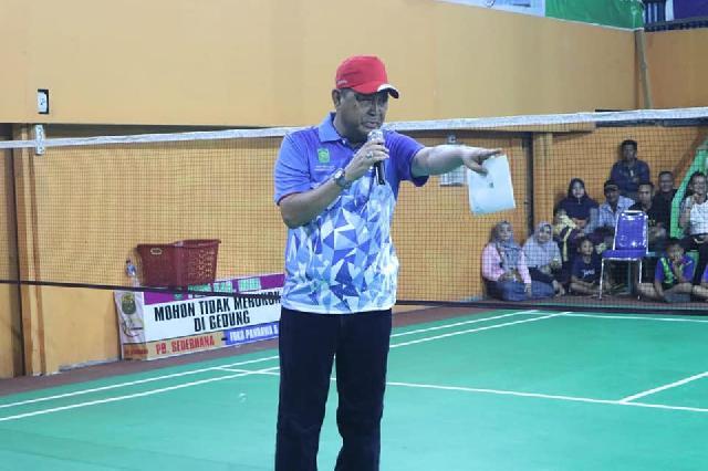Wabup Inhil, Syamsuddin Uti Tutup Turnamen Badminton Inhil Open 2019
